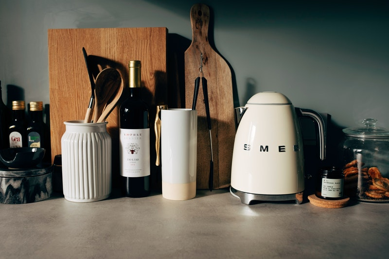 fashionable-electric-kettle-as-interior